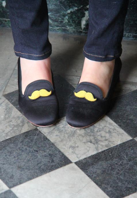 maloles moustache flats