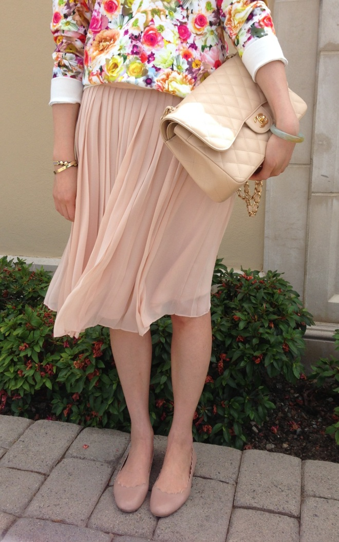 club monaco pleated skirt and chloe scallop ballet flats