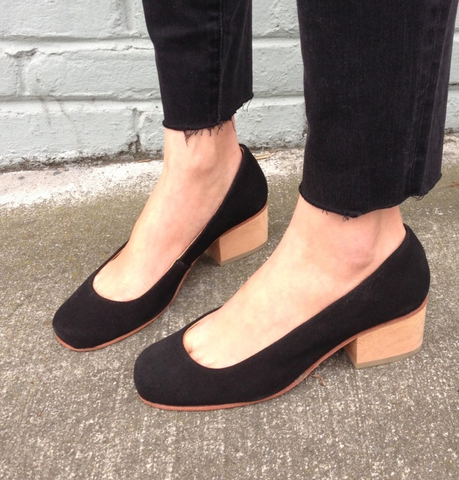 a detacher eleanor pumps